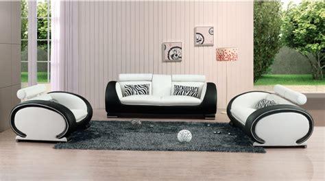 nourrir canapé cuir les astuces pour nettoyer un canapé en cuir blanc décor
