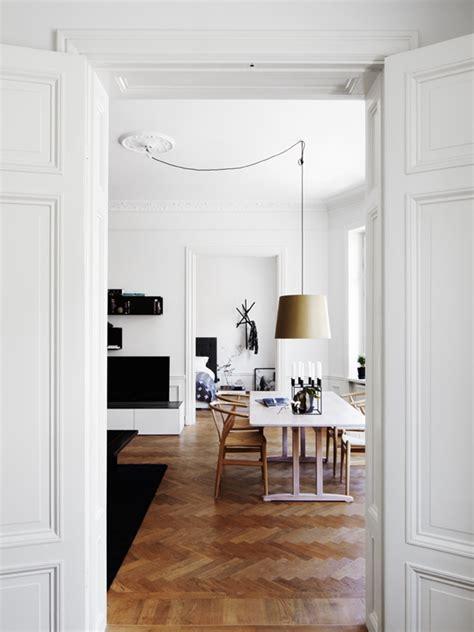 prise electrique design cuisine luminaire avec plafonnier décentré 4 solutions déconome