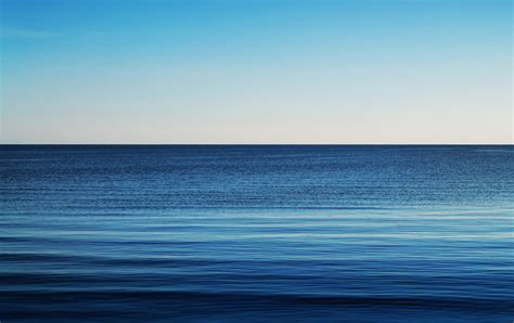 water gulf blue horizon waves surface  gradient colors