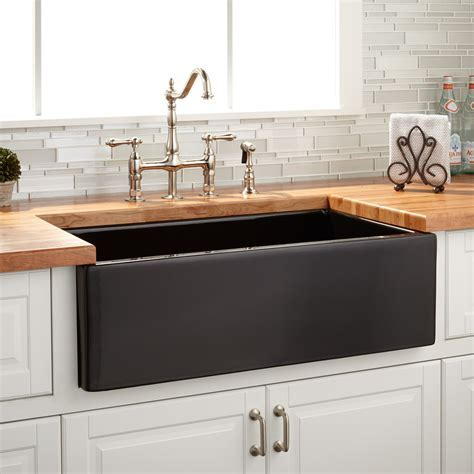 "33"" Grigham Reversible Farmhouse Sink   Black   Kitchen"