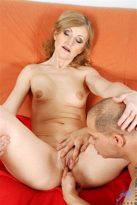 freshest mature women on the net featuring anilos jarka mature wife