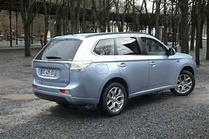 Avis Mitsubishi Outlander Phev : essai mitsubishi outlander phev la bonne prise autos post ~ Maxctalentgroup.com Avis de Voitures