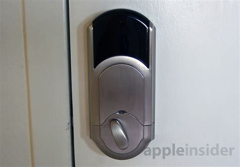 iphone door lock review kwikset s new iphone compatible kevo keyless