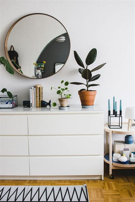 Bedroom Vanity With Mirror Ikea by 37 Ways To Incorporate Ikea Malm Dresser Into Your D 233 Cor