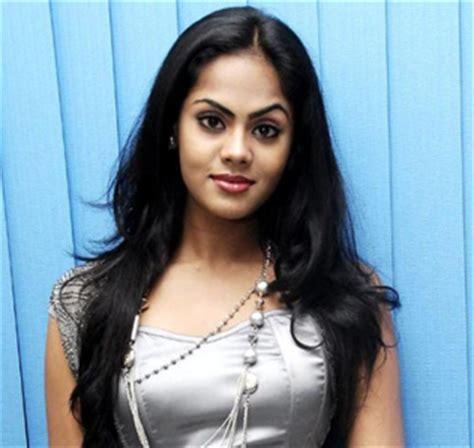 actress karthika nayagan actor karthika