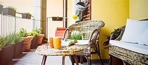 Table Pour Petit Balcon : d co une pro livre ses conseils pour am nager un petit balcon ~ Melissatoandfro.com Idées de Décoration
