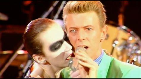 Queen & Annie Lennox & David Bowie