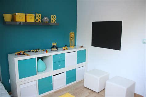 chambre bleu et jaune chambre enfant moderne