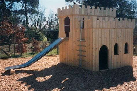 small fort   outdoor play people