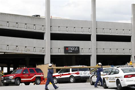 Garage Parks Mall by Bethesda Md Mall Parking Garage Collapses Killing 1