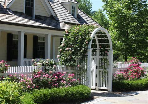 Rosenbogen Bepflanzen Und Prachvollen Hingucker Im Garten