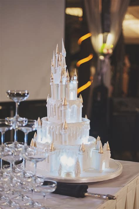 disney themed cakes  bring  magic   wedding