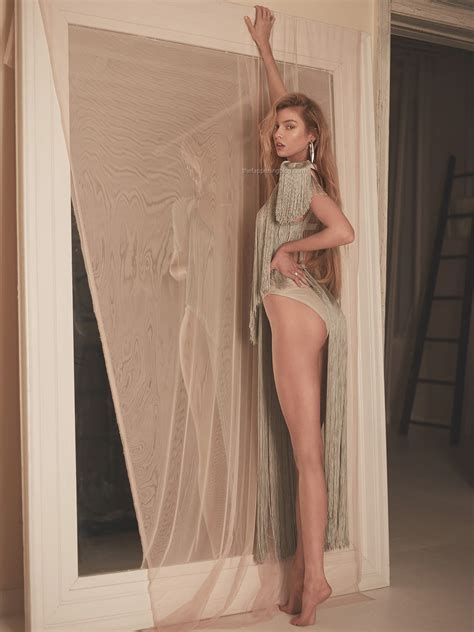 Stella Maxwell See Through And Sexy 14 Photos Thefappening