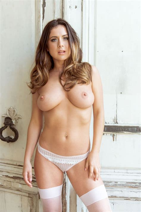 Kelly Hall Sexy And Topless New Photos Thefappening