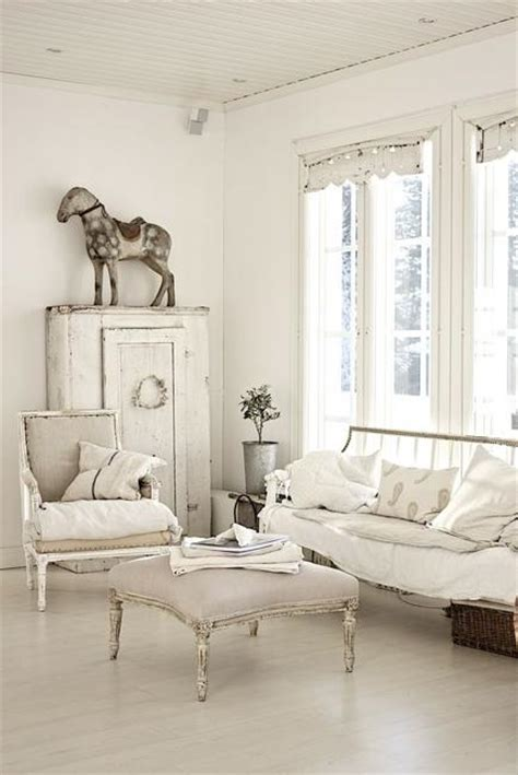 beautiful flowers  shabby chic ideas  white living room decorating
