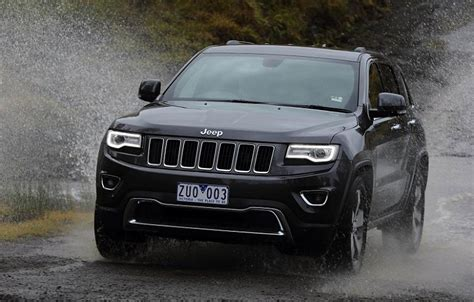 2017 jeep grand cherokee light 2017 jeep grand cherokee concept redesign changes srt