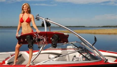 Bikini Boat Pictures by Bikinis And Wakeboard Boats Wakeboarding Pinterest