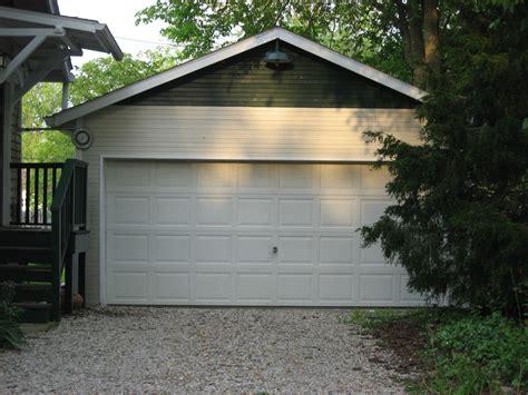 Filemaple Street South 111 Garage, Bloomington West Side