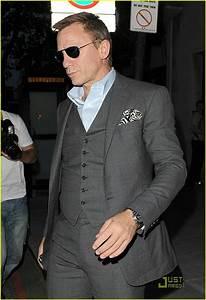Dark grey suit. Groom | Wedding suits | Pinterest ...