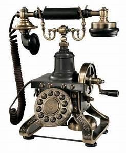 Telephone Filaire Retro : really old phone crank that baby so many phones just ~ Teatrodelosmanantiales.com Idées de Décoration