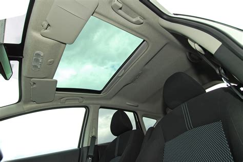 moonroof  sunroof    differences