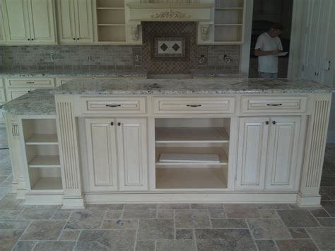 pictures of glazed kitchen cabinets 34 best images about kitchen cabinets on 7455