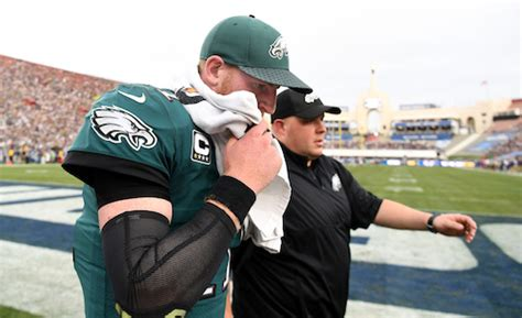 carson wentz knee injury doom  philadelphia eagles