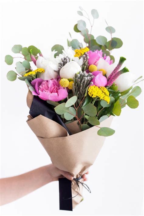 Style your Bouquet 3 Ways with Stem & Bloom   Fashionable