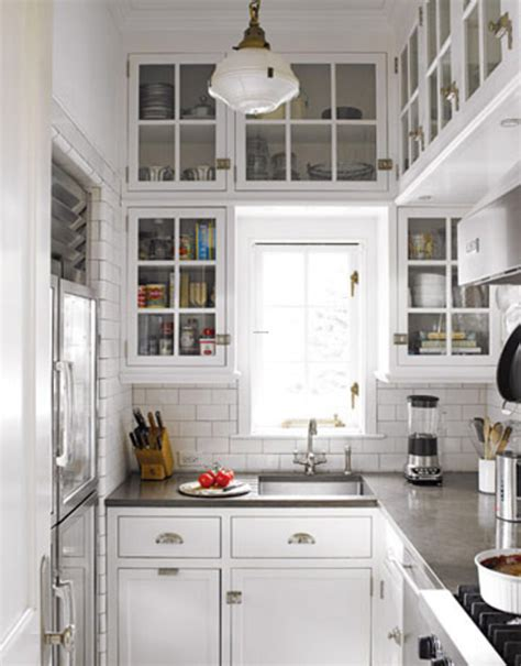 Decorating Tips For A White Country Kitchen Interior