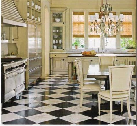 black and white kitchen floors cozinha cl 225 ssica ch 227 o em mosaico preto e branco eu 7855