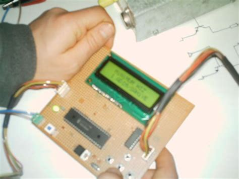 Unipolar Stepper Motor Control Circuit With Picf