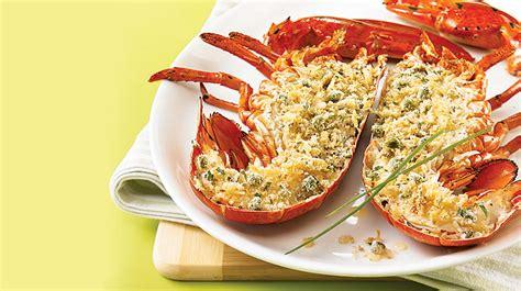 cuisiner un homard homard grillé et chapelure au citron et à la ciboulette