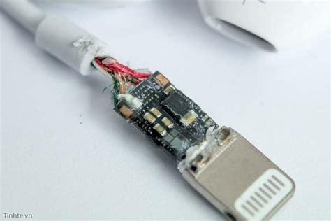 Apple Lightning Headphone Adapter Analog Digital