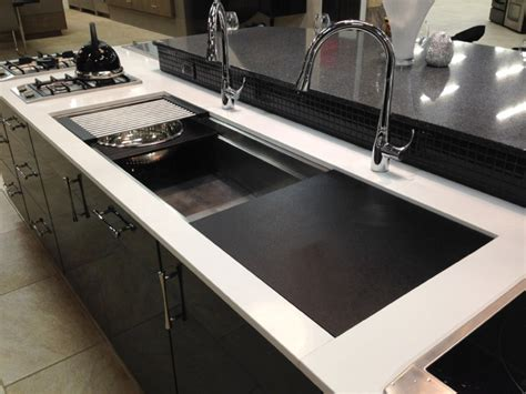 Big White Kitchen Sink by Tips In Selecting The Large Kitchen Sinks The Homy Design