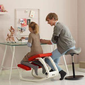 si鑒e ergonomique de bureau les 25 meilleures idées concernant siège ergonomique sur chaise en bois fauteuil ergonomique et chaise de plage