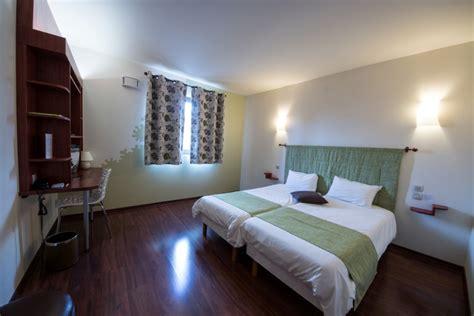 reservation chambre hotel l 39 hôtel à chartres réservation de votre chambre