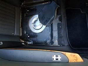 Cl600 - 2008 - Drivers Rear Window - Stuck Up
