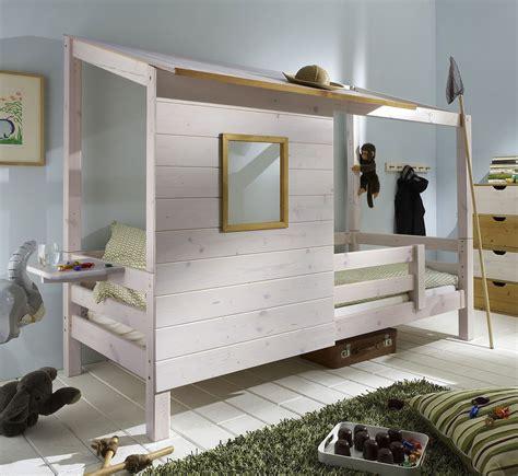 matratze lattenrost abenteuerbett mit spielhaus aus holz paradise