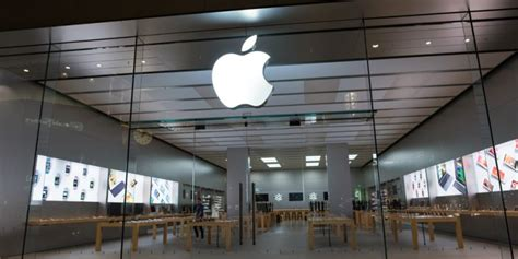 apple  worth  billion  aapl stock hits  highs