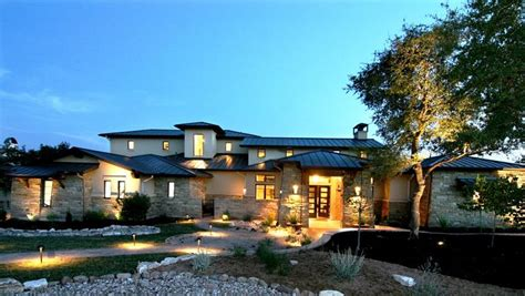 25 Luxury Home Exterior Designs