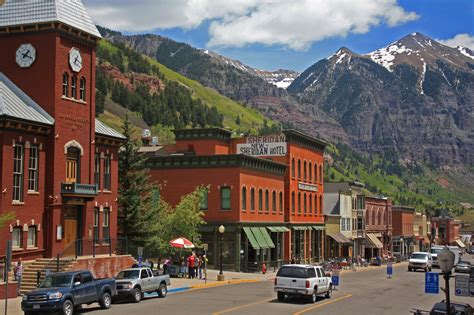 best mountain towns to live in the us usa pro cycling challenge rolls through telluride colorado on august 20th 2012