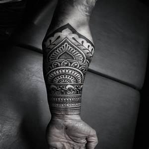 Tatouage Maori Avant Bras