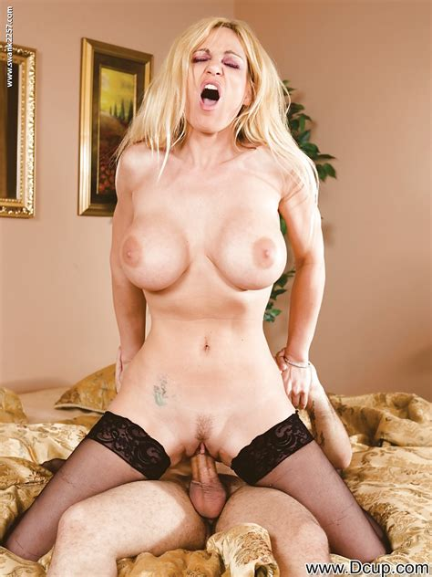 Juggy Milf In Stockings Tyler Faith Gets Her Cunt Shoved