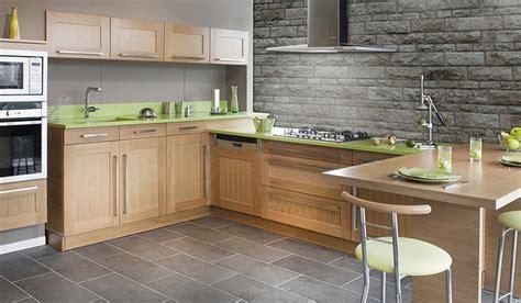 revetement sol cuisine carrelage cuisine moderne un carrelage de sol classique