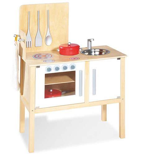 jouer de cuisine pinolino cuisine en bois jette pour jouer à la dinette