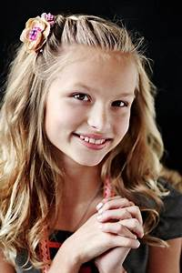 50 Easy Wedding Hairstyles For Little Girls | Simple ...