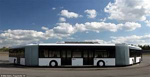 World's largest bus: AutoTram Extra Grand trialled in ...