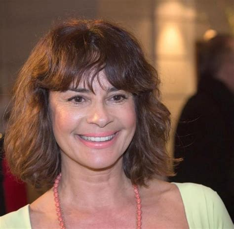 Gloria elizabeth reuben (born june 9, 1964) is a canadian producer, singer and actress of film and television, known for her role as jeanie boulet on the medical drama er and marina peralta on falling skies. Gitta Saxx und die Schuldenfalle - WELT