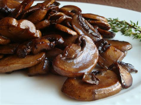 saute mushrooms the definitive ranking of the best steakhouse sides and starters thrillist
