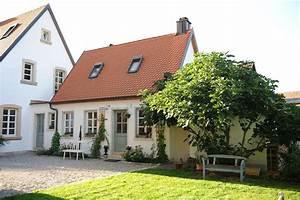 Haus Mit Fensterläden : haus schwedenstyle sprossenfenster diy haus ~ Eleganceandgraceweddings.com Haus und Dekorationen